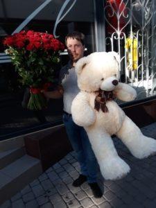Купить цветы с доставкой в Днепре.