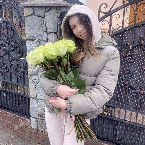 букет белых импортных роз фото вручения